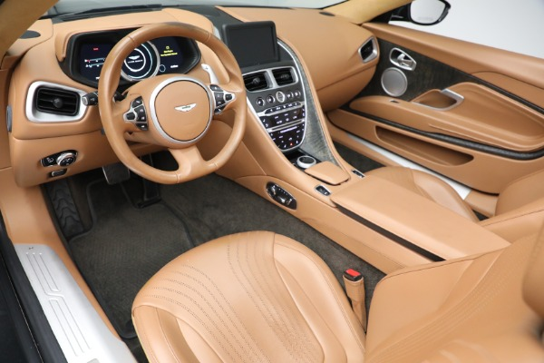 Used 2019 Aston Martin DB11 Volante for sale $212,990 at Rolls-Royce Motor Cars Greenwich in Greenwich CT 06830 20