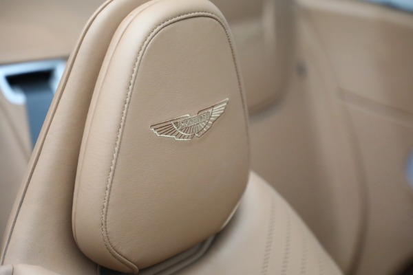 Used 2019 Aston Martin DB11 Volante for sale $212,990 at Rolls-Royce Motor Cars Greenwich in Greenwich CT 06830 27