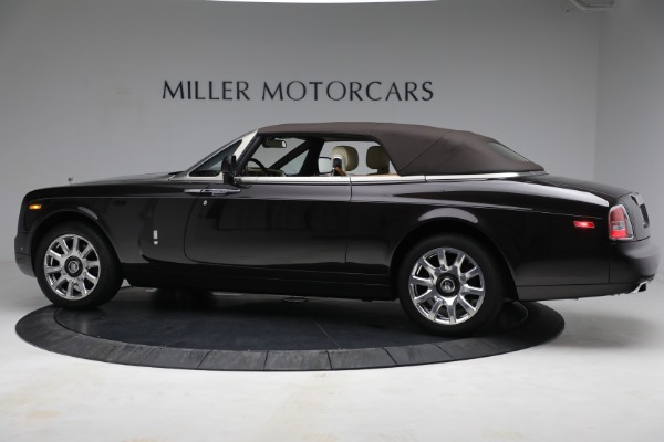 Used 2015 Rolls-Royce Phantom Drophead Coupe for sale Call for price at Rolls-Royce Motor Cars Greenwich in Greenwich CT 06830 17