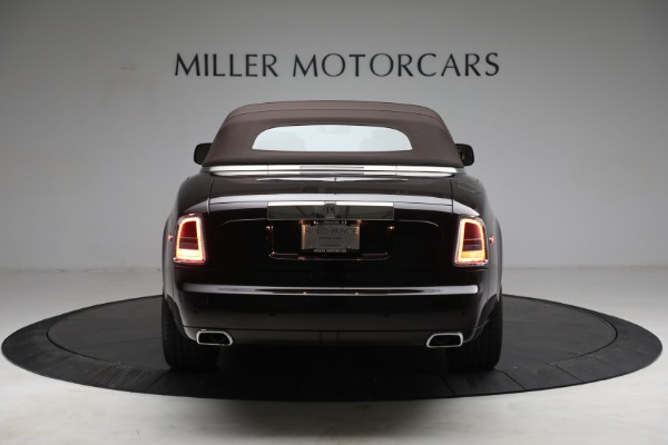 Used 2015 Rolls-Royce Phantom Drophead Coupe for sale Call for price at Rolls-Royce Motor Cars Greenwich in Greenwich CT 06830 19