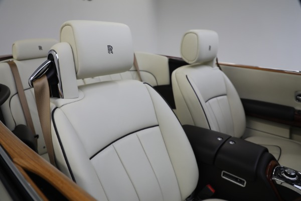 Used 2015 Rolls-Royce Phantom Drophead Coupe for sale Call for price at Rolls-Royce Motor Cars Greenwich in Greenwich CT 06830 26
