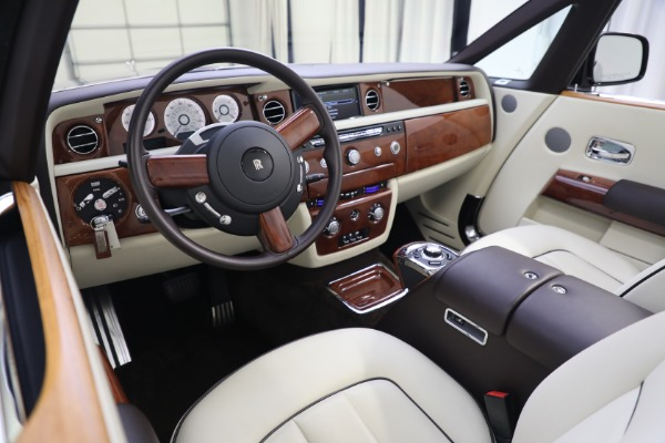 Used 2015 Rolls-Royce Phantom Drophead Coupe for sale Call for price at Rolls-Royce Motor Cars Greenwich in Greenwich CT 06830 27