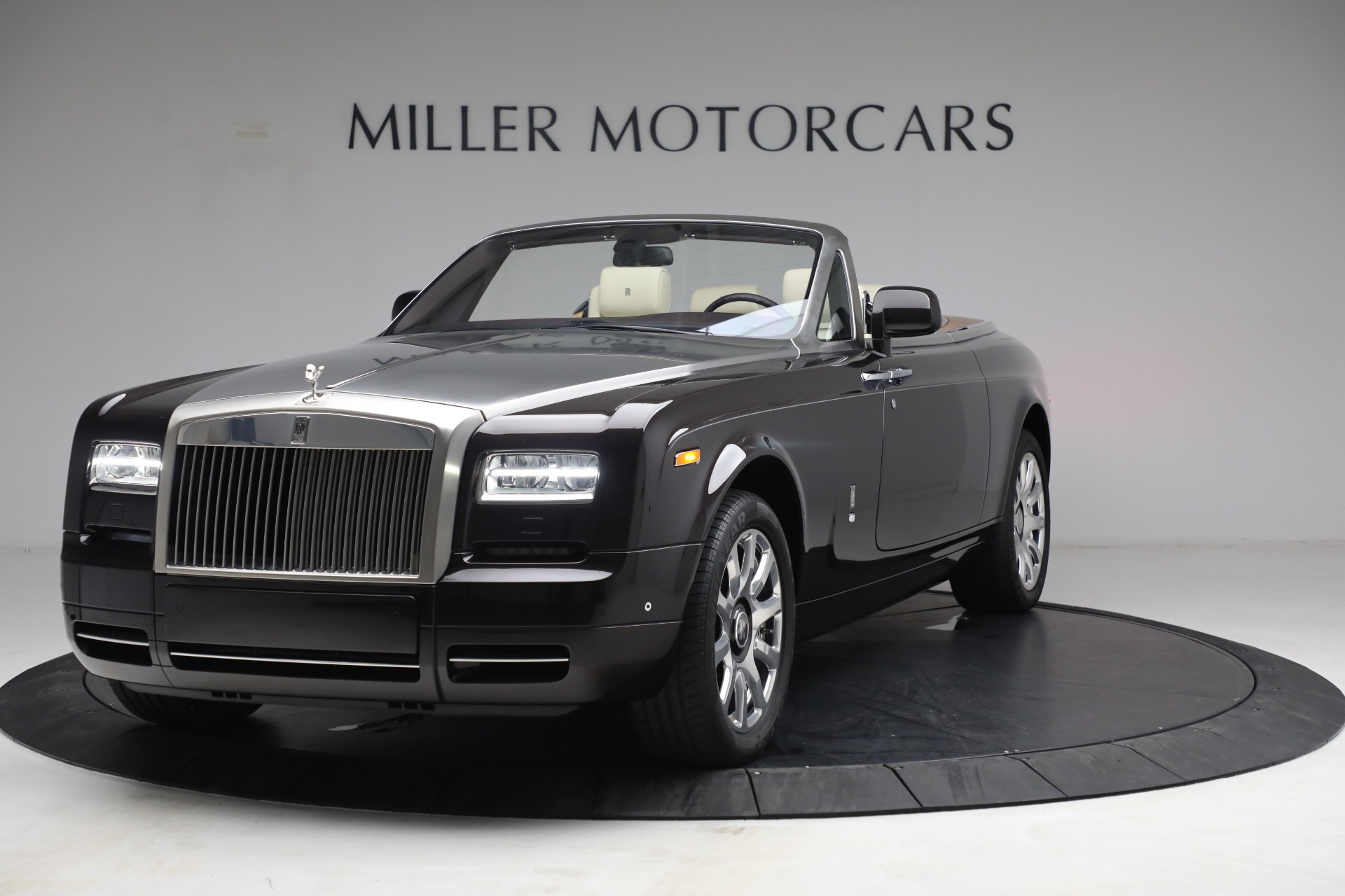 Used 2015 Rolls-Royce Phantom Drophead Coupe for sale Call for price at Rolls-Royce Motor Cars Greenwich in Greenwich CT 06830 1