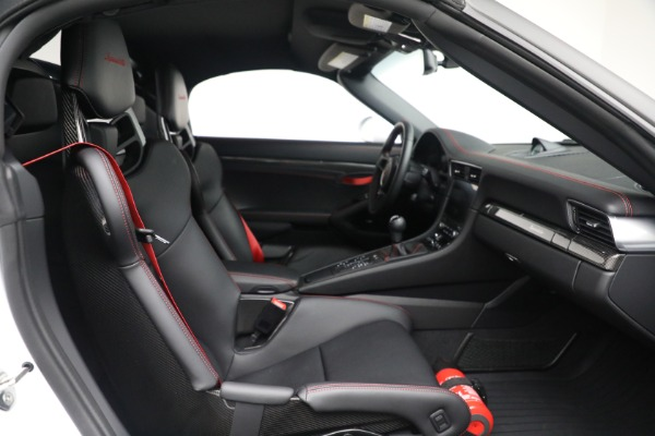 Used 2019 Porsche 911 Speedster for sale $395,900 at Rolls-Royce Motor Cars Greenwich in Greenwich CT 06830 27
