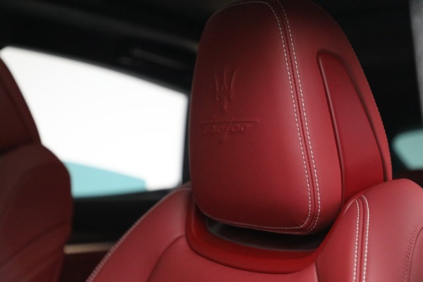 New 2022 Maserati Levante Trofeo for sale $155,045 at Rolls-Royce Motor Cars Greenwich in Greenwich CT 06830 16