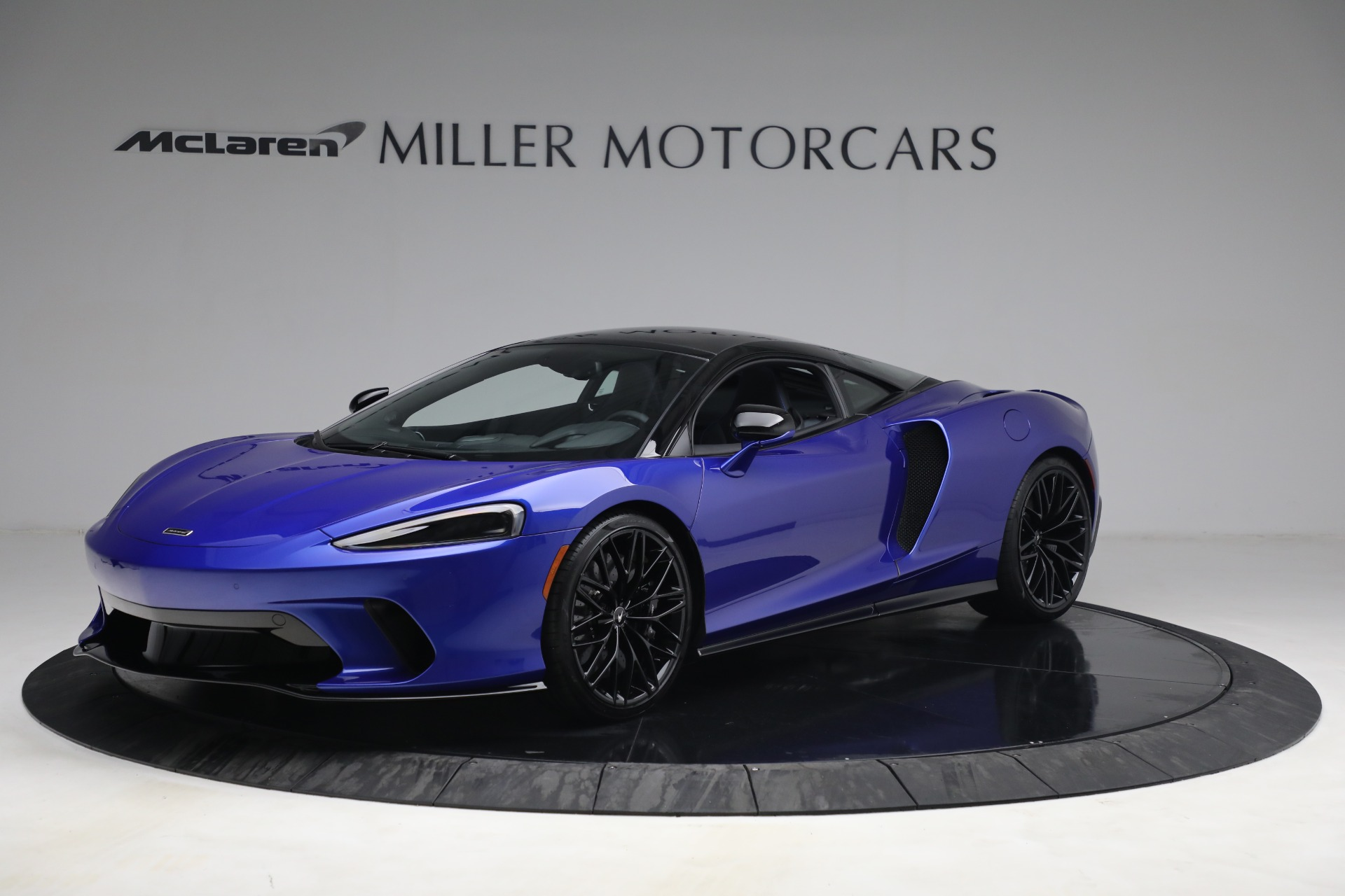 New 2022 McLaren GT Luxe for sale $228,080 at Rolls-Royce Motor Cars Greenwich in Greenwich CT 06830 1