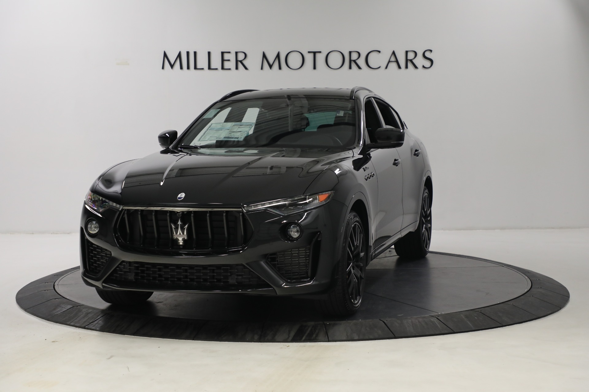 New 2022 Maserati Levante Modena for sale $108,775 at Rolls-Royce Motor Cars Greenwich in Greenwich CT 06830 1