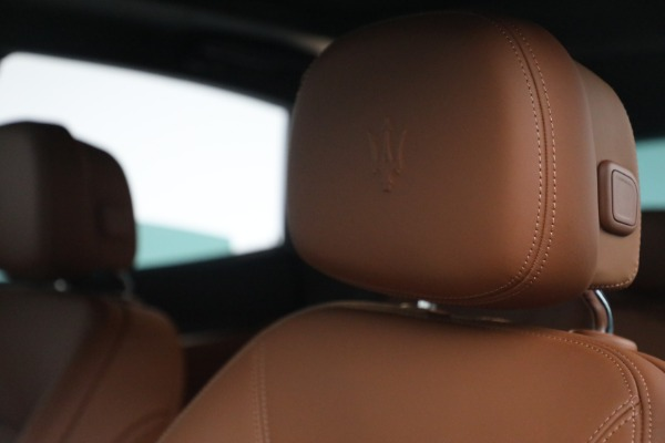 New 2022 Maserati Levante Modena for sale $104,545 at Rolls-Royce Motor Cars Greenwich in Greenwich CT 06830 16