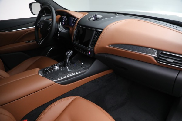 New 2022 Maserati Levante Modena for sale $104,545 at Rolls-Royce Motor Cars Greenwich in Greenwich CT 06830 24