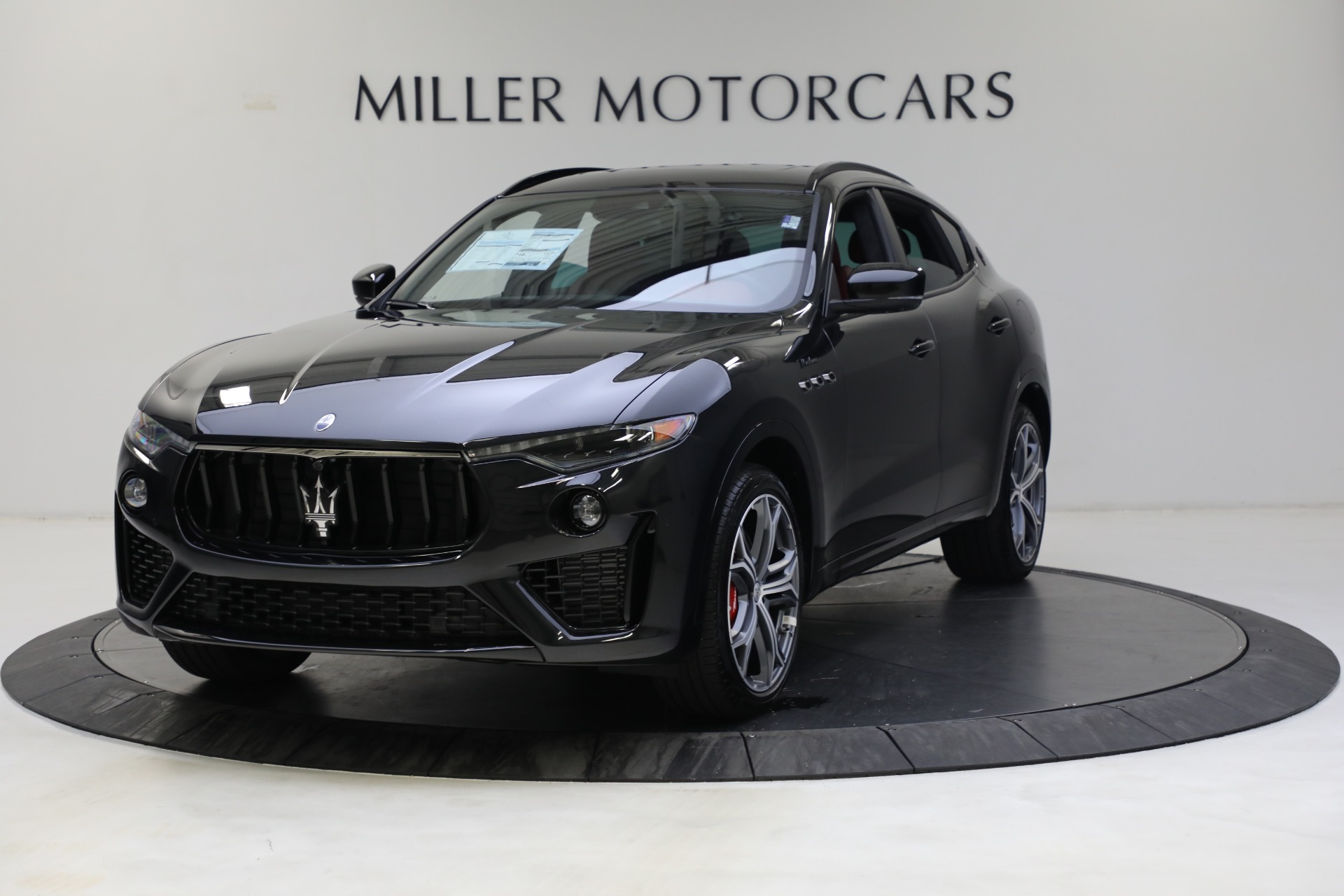 New 2022 Maserati Levante Modena for sale $113,375 at Rolls-Royce Motor Cars Greenwich in Greenwich CT 06830 1