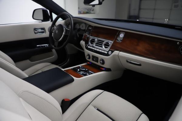 Used 2016 Rolls-Royce Dawn for sale $243,900 at Rolls-Royce Motor Cars Greenwich in Greenwich CT 06830 28