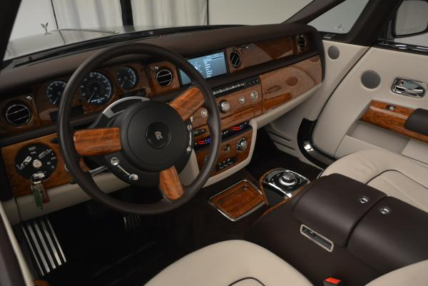 Used 2015 Rolls-Royce Phantom Drophead Coupe for sale Sold at Rolls-Royce Motor Cars Greenwich in Greenwich CT 06830 28