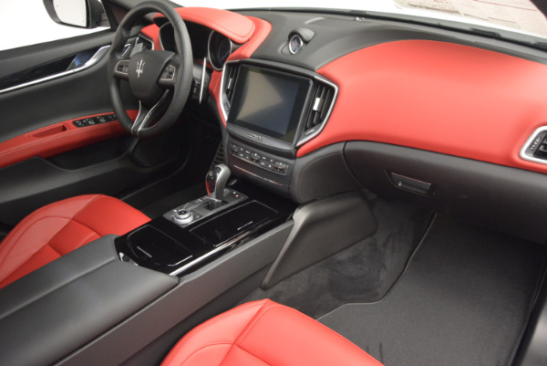 New 2017 Maserati Ghibli S Q4 for sale Sold at Rolls-Royce Motor Cars Greenwich in Greenwich CT 06830 23