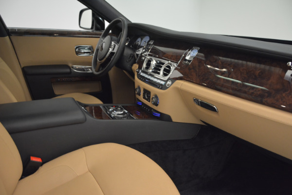 Used 2011 Rolls-Royce Ghost for sale Sold at Rolls-Royce Motor Cars Greenwich in Greenwich CT 06830 27