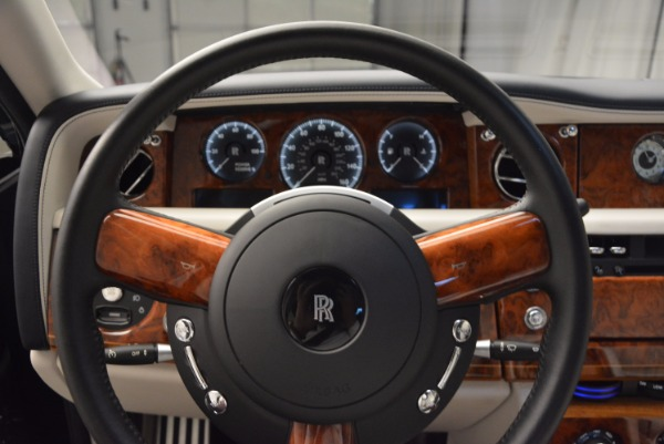 Used 2011 Rolls-Royce Phantom for sale Sold at Rolls-Royce Motor Cars Greenwich in Greenwich CT 06830 13