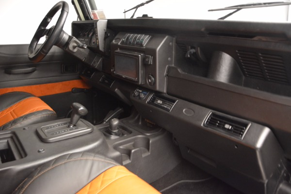 Used 1997 Land Rover Defender 90 for sale Sold at Rolls-Royce Motor Cars Greenwich in Greenwich CT 06830 17