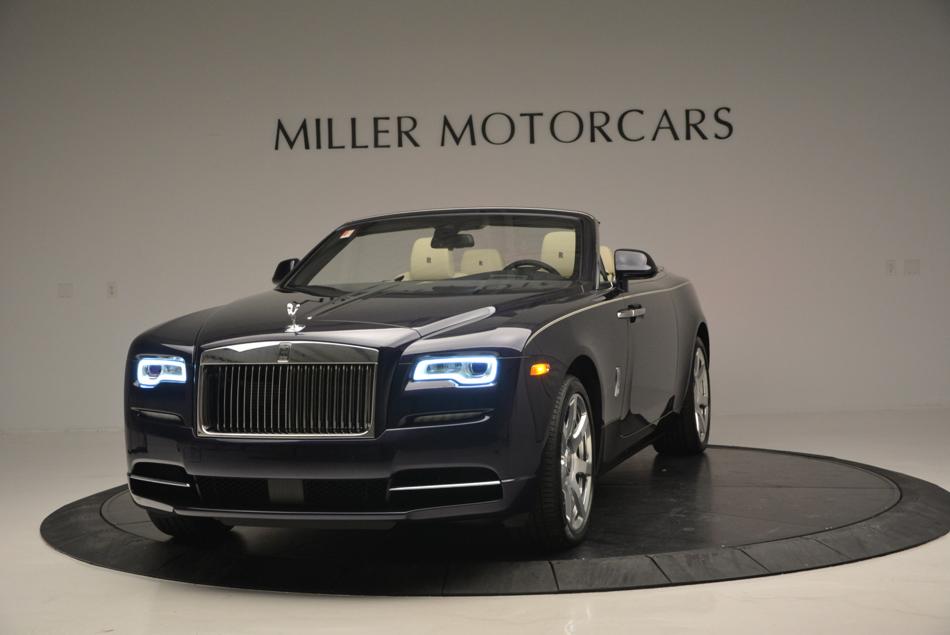 New 2016 Rolls-Royce Dawn for sale Sold at Rolls-Royce Motor Cars Greenwich in Greenwich CT 06830 1