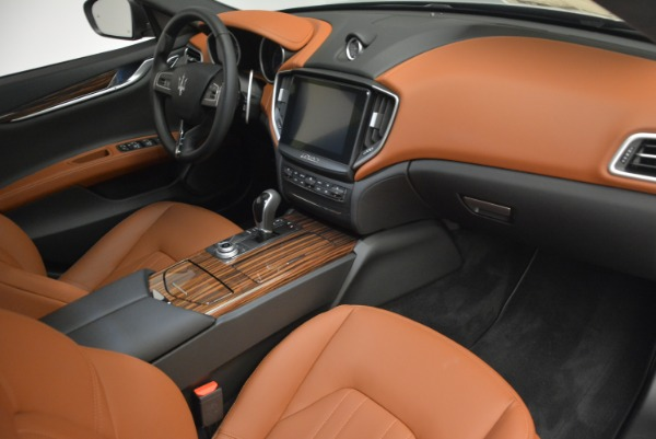 Used 2017 Maserati Ghibli S Q4 for sale $45,900 at Rolls-Royce Motor Cars Greenwich in Greenwich CT 06830 20