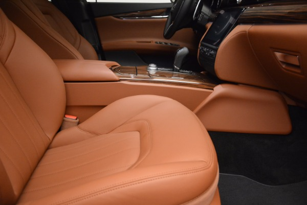 New 2017 Maserati Quattroporte S Q4 GranLusso for sale Sold at Rolls-Royce Motor Cars Greenwich in Greenwich CT 06830 20