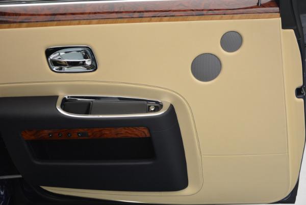 Used 2016 Rolls-Royce Ghost EWB for sale Sold at Rolls-Royce Motor Cars Greenwich in Greenwich CT 06830 25