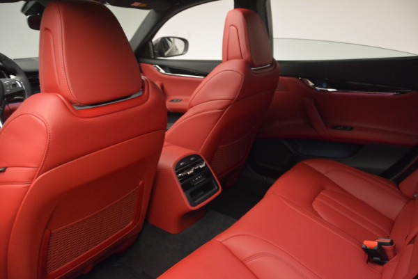 New 2017 Maserati Quattroporte S Q4 GranSport for sale Sold at Rolls-Royce Motor Cars Greenwich in Greenwich CT 06830 18