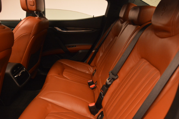 Used 2014 Maserati Ghibli S Q4 for sale Sold at Rolls-Royce Motor Cars Greenwich in Greenwich CT 06830 18