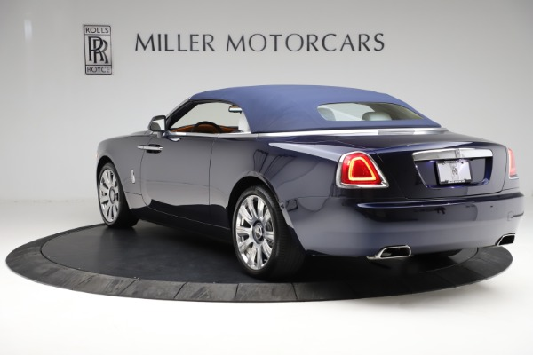 Used 2017 Rolls-Royce Dawn for sale Call for price at Rolls-Royce Motor Cars Greenwich in Greenwich CT 06830 18