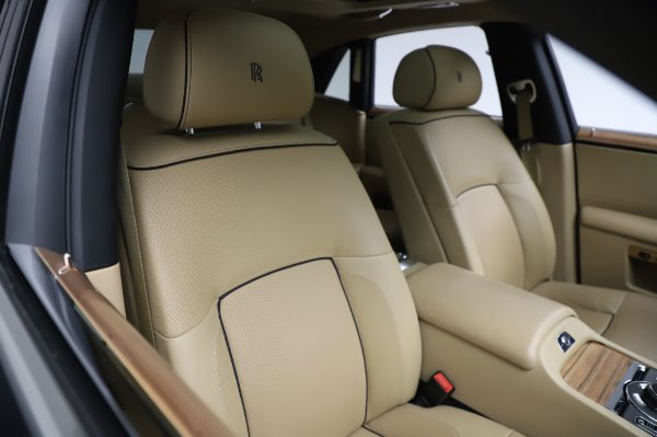 Used 2014 Rolls-Royce Ghost V-Spec for sale Call for price at Rolls-Royce Motor Cars Greenwich in Greenwich CT 06830 10