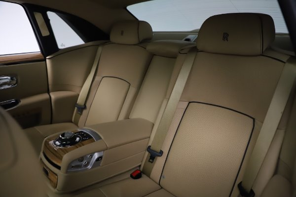 Used 2014 Rolls-Royce Ghost V-Spec for sale Call for price at Rolls-Royce Motor Cars Greenwich in Greenwich CT 06830 14