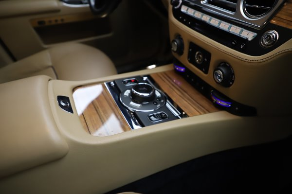 Used 2014 Rolls-Royce Ghost V-Spec for sale Call for price at Rolls-Royce Motor Cars Greenwich in Greenwich CT 06830 18