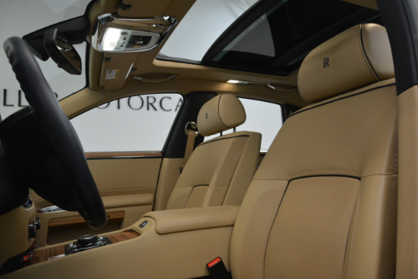 Used 2014 Rolls-Royce Ghost V-Spec for sale Call for price at Rolls-Royce Motor Cars Greenwich in Greenwich CT 06830 22