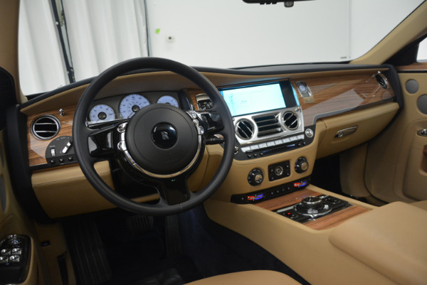 Used 2014 Rolls-Royce Ghost V-Spec for sale Call for price at Rolls-Royce Motor Cars Greenwich in Greenwich CT 06830 23