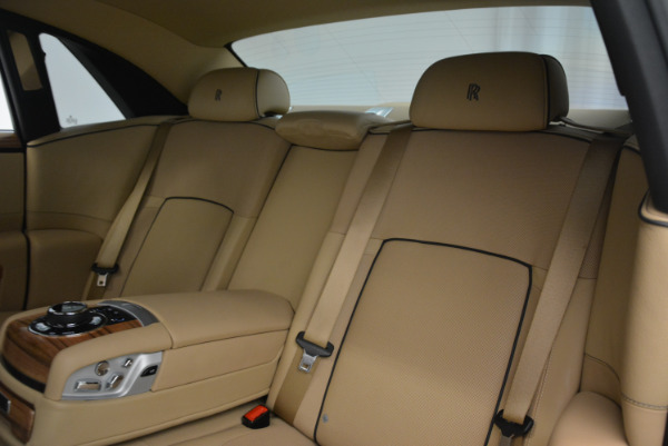 Used 2014 Rolls-Royce Ghost V-Spec for sale Call for price at Rolls-Royce Motor Cars Greenwich in Greenwich CT 06830 28
