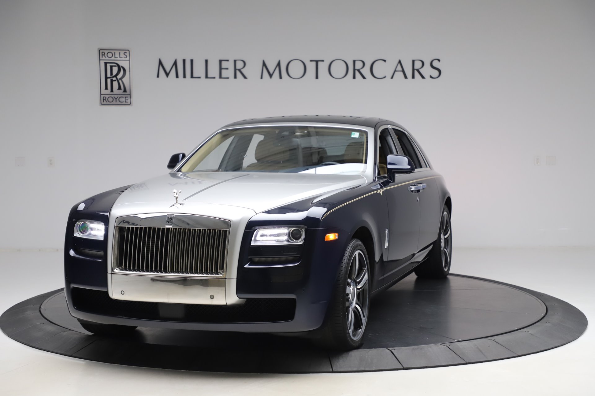 Used 2014 Rolls-Royce Ghost V-Spec for sale Call for price at Rolls-Royce Motor Cars Greenwich in Greenwich CT 06830 1