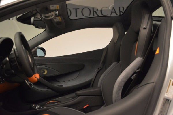 New 2017 McLaren 570GT for sale Sold at Rolls-Royce Motor Cars Greenwich in Greenwich CT 06830 17