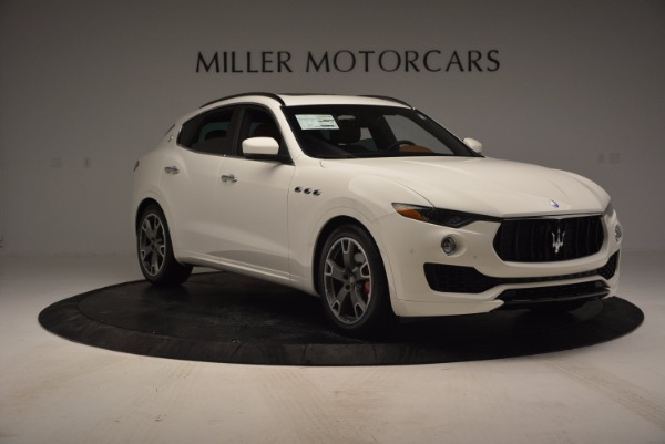Used 2017 Maserati Levante Q4 for sale Sold at Rolls-Royce Motor Cars Greenwich in Greenwich CT 06830 11