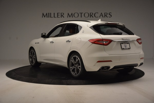 Used 2017 Maserati Levante Q4 for sale Sold at Rolls-Royce Motor Cars Greenwich in Greenwich CT 06830 5